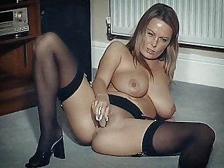 I DANCE YOU WANK 17 - British big tits beauty with dildo